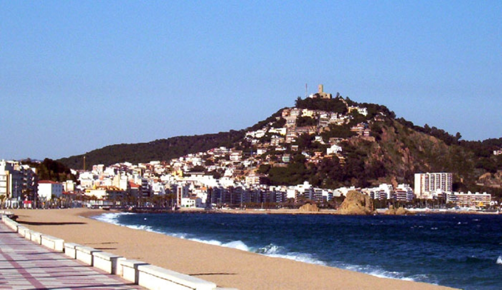 Playa S'Abanell en Blanes - Paseos marítimos, playas en España